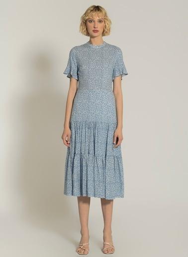 NGSTYLE Desenli Yırtmaç Detaylı Elbise Mavi